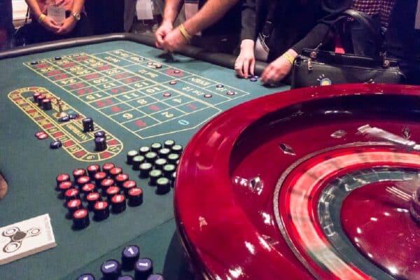 Progressione Rosso-Nero alla Roulette Online: come applicarla e vincere